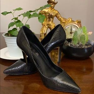 Aldo black heels in a black reptile print